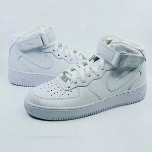 Nike Air Force 1 MID All White Triple Whiteout